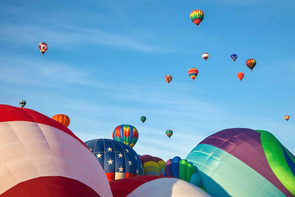 A photo of the hot air balloon festival in Albuquerque.