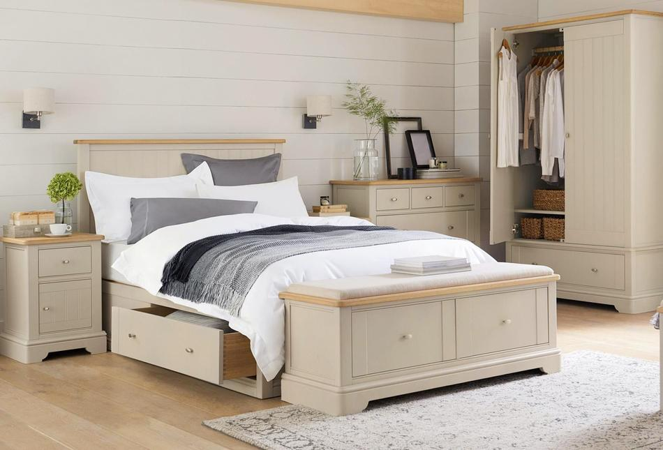 A photo of a contemporary matching bedroom set.
