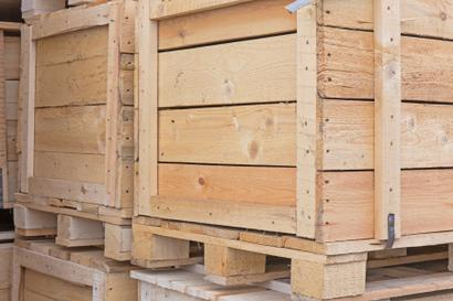 A picture of a wooden shipping crate.